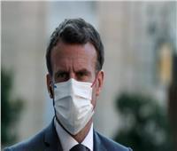 ضرب الرئيس الفرنسي إيمانويل ماكرون بجسم كروي  فيديو