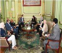 صور  رئيس جامعة عين شمس يستقبل وفدا من منظمة اليونسكو