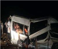 مصرع شخصين وإصابة 3 آخرين في حادث انقلاب سيارة ميكروباص بأسيوط