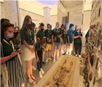 الوفد الروسي المشارك بـ«منتدى الشباب» يشيد بمقتنيات متحف الحضارة