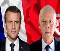 قيس سعيد يبدي لماكرون أسفه لقرار فرنسا خفض التأشيرات الممنوحة للتونسيين