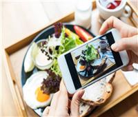 دراسة تحذر من مشاركة صور الطعام على الـ«سوشيال ميديا»