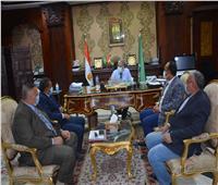 محافظ المنيا يعقد اجتماعاً لبدء الإزالة الفورية للتعديات على مجرى النيل