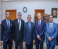 محافظ الإسكندرية يُهنئ رئيس محكمة استئناف بمناسبة توليه منصبه