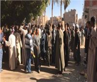 مصرع شاب وإصابة ٣ آخرين في مشاجرة بالشوم في المنيا