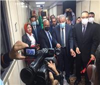 صور| وزير التموين يفتتح مركز الخدمة المميز بالشرقية