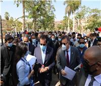 فيديو  وزير التعليم العالي يتفقد جامعة عين شمس في بداية العام الدراسي الجديد