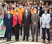 صور  رئيس جامعة حلوان يلتقى اتحاد الطلاب في أول أيام الدراسة