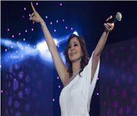 إليسا تنفعل على الهواء أثناء حديثها عن قمع الحريات في لبنان.. فيديو