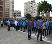 في أول يوم دراسي.. نائب محافظ قنا يشهد طابور الصباح
