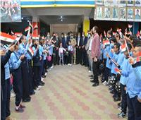 محافظ المنيا يتفقد مدارس «حياة كريمة» في أول أيام العام الدراسي