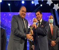 أشرف صبحي يجتمع مع رئيس مجلس إدارة أخبار اليوم للترتيب لاحتفالية الختام بمهرجان إبداع