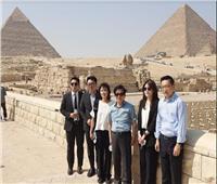 من هرم زوسر إلى الأهرامات.. رئيس الجمعية الوطنية لكوريا الجنوبية يزور المناطق الآثرية بالقاهرة