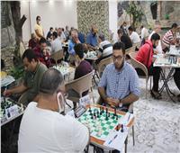 بمشاركة ١٨٥ لاعبا من ٧ دول .. انطلاق البطولة الدولية للشطرنج على شواطيء مطروح
