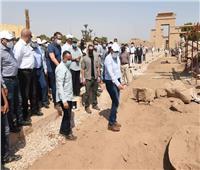 مدبولي يتفقد أعمال الحفر أسفل قصر اندراوس وأعمال تطوير معبد الكرنك.. صور وفيديو