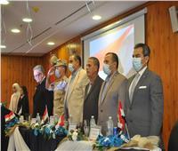رئيس جامعة كفر الشيخ يشهد حفل استقبال الطلاب الجدد بكلية الألسن ويكرم المتفوقين