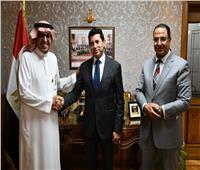 """وزير الشباب والرياضة يبحث إطلاق جائزة """"عاصمة الثقافة الرياضية العربية"""""""