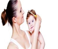 للجنس الناعم ..7 حيل لحماية شعر طفلك منذ الولادة