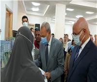 محافظ القليوبية ورئيس جامعة بنها يطلقان مبادرة لدعم الأسر الأكثر احتياجا