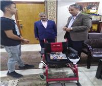 بـ«كرسي لذوى الإعاقة الألكتروني».. طالب بالقليوبية يحصد المركز الأول