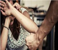 لشكه في سلوكها.. شاب يسلخ فروة رأس زوجته الحامل بعين شمس