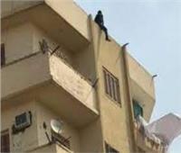 أمن القاهرة ينجح في إنقاذ شاب حاول الانتحار من أعلى عقار بحلوان