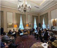 شكري يبحث مع رئيس العلاقات الخارجية بالشيوخ الأمريكي المستجدات الإقليمية