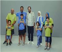 اليوم.. عرض حلقة أكرم حسني مع أحمد أمين في «الفاميليا»