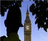 بريطانيا تعلن عن تنكيس الأعلام بعد وفاة «ديفيد أميس»
