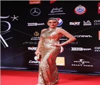 إطلالة ذهبية لـ أمينة خليلفي ثاني أيام الجونة السينمائي