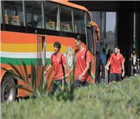 بعثة الأهلي تغادر فندق الإقامة إلى ملعب مباراة الحرس الوطني