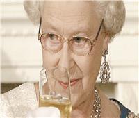 الملكة إليزابيث تتوقف عن تعاطي الكحول!
