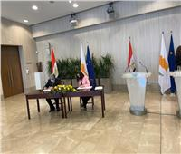 مصر وقبرص توقعان اتفاقية للربط الكهربائي