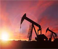 أسعار النفط تغلق متباينة بعد تراجعها من أعلى مستوياتها في عدة سنوات