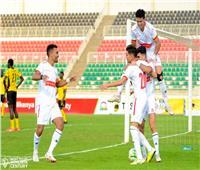 لاعبو الزمالك يتفقدون أرضية ملعب برج العرب