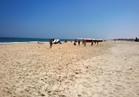 شواطئ العريش خالية بسبب الظروف الأمنية.. وحملات لضبط السلع الفاسدة بالأسواق