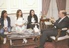 محافظ القاهرة لـ«فتاتي البرجر»: ما تزعلوش من حى النزهة