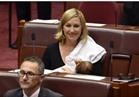 «لاريسا» أول برلمانية ترضع طفلتها أثناء إنعقاد الجلسات
