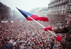 مسيرات حاشدة في التشيك للمطالبة باستقالة الرئيس وإقالة وزير المالية