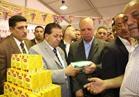 محافظ القاهرة يتفقد معرض السلع التموينية بالمرج