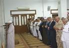 محافظ السويس يتلقى مطالب الأهالي عقب صلاة الجمعة