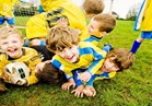 دراسة: ممارسة ابنك لكرة القدم يعزز من نمو عظامه