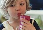 طبيبة تحذر  العصائر المعلبة خطر على طفلك.. و8 عناصر تضاف لها تحتوي سموم