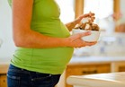 احذري .. إتباع نظام غذائي مرتفع الدهون أثناء الحمل