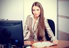 للمرأة العاملة.. نصائح جذرية للعناية ببشرتك وشعرك