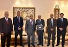 مصر للطيران تكرم عدد من مهندسي الصيانة ومركز العمليات الجوية تقديرا لجهودهم