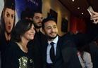 صور| مصطفى قمر ولقاء سويدان يشاركان حمادة هلال الاحتفال بعرض «شنطة حمزة»