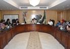 محافظ الفيوم يناقش قضايا التنمية مع الشباب