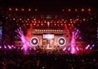 صور| المسرح الكاسيت يبهر جمهور تامر حسني في «راس سدر»