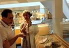حكيم يزور المتحف المصري في برشلونة